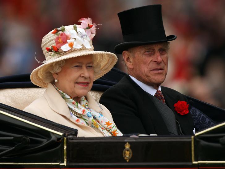 Фото №1 - Странные времена: как прошедший год изменил отношения Королевы и принца Филиппа