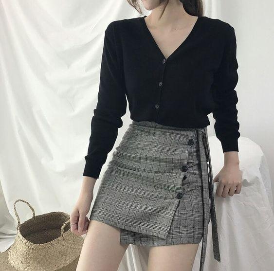 Фото №6 - Одежда как в дорамах: с чем носить юбку-шорты весной 2021