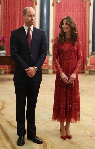 Фото №8 - Блеск Короны: как монаршие особы носят сверкающие пайетки