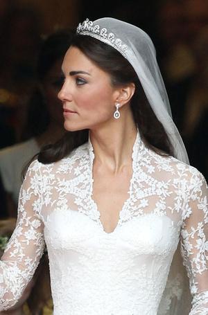 Фото №3 - Диадемы для герцогини: все знаковые выходы Кейт в тиарах