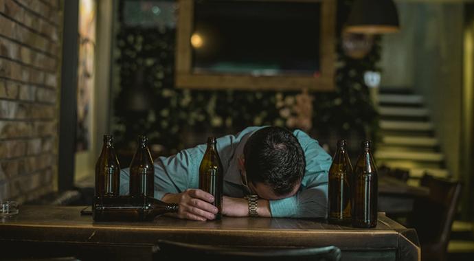 «Алкоголики не могут оставаться трезвыми»