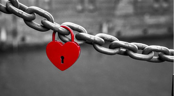 Я люблю слишком сильно: как уменьшить «громкость» своих чувств?