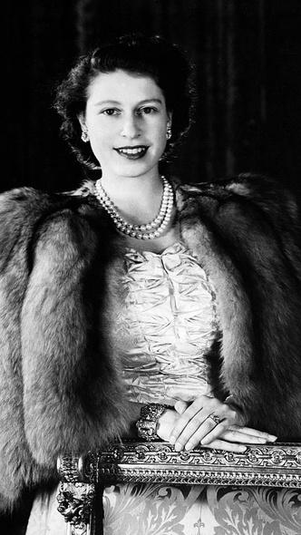 Фото №3 - Эдинбургский свадебный браслет: история самого важного подарка принца Филиппа Елизавете