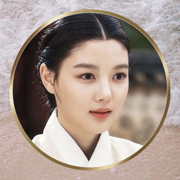 Фото №1 - Pretty Unnie: Личная жизнь, дорамы и интересные факты о Ким Ю Чжон