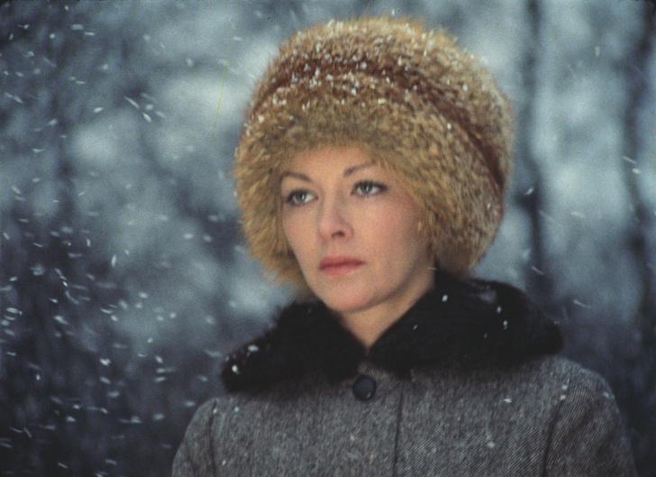 Фото №7 - Искусственный снег, 40-летняя бабушка и самая вкусная овсянка: факты о любимых советских фильмах, которые вы не знали