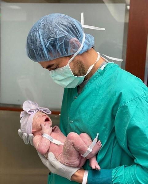 Фото №1 - Хороша Маша: Анна Курникова показала подросшую дочь от Энрике Иглесиаса