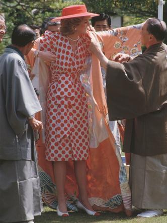 Фото №4 - Как принцесса Диана одевалась бы в наши дни (и осталась бы она иконой стиля?)