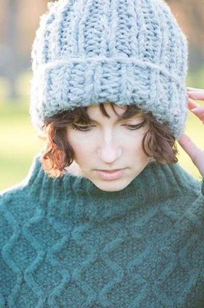 Фото №1 - От кепи до ушанки: модные шапки для зимы от 300 рублей