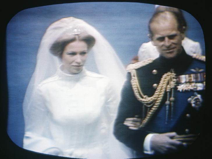 Фото №8 - Папины дочки: самые трогательные фото королевских невест с отцами
