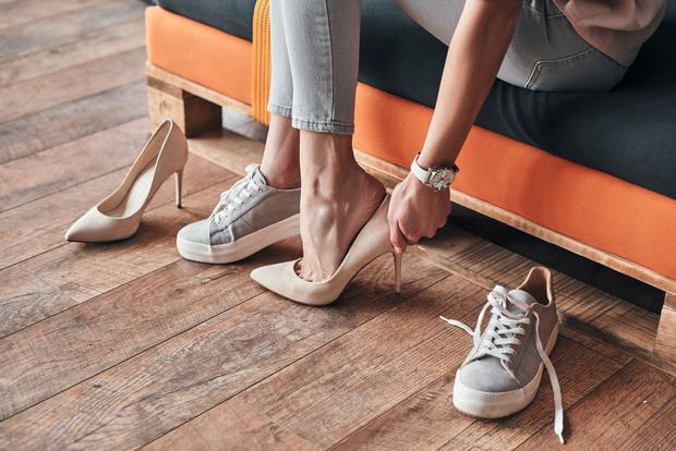 Фото №2 - Без мозолей: 6 лайфхаков для тех, кто всегда натирает ноги