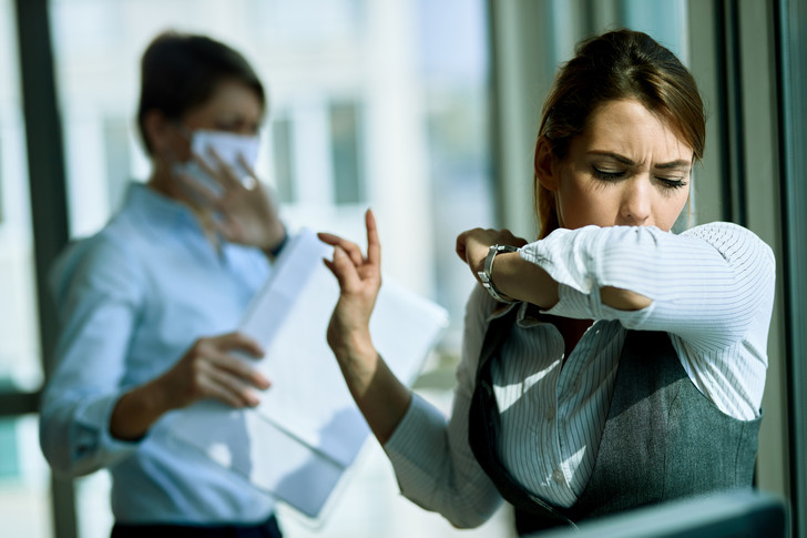Названы дни, когда больные COVID-19 наиболее заразны