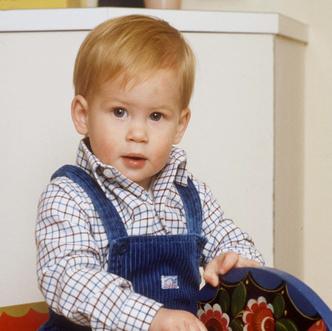 Фото №5 - Орбакайте показала детские фото сына, на которых он копия принца Гарри