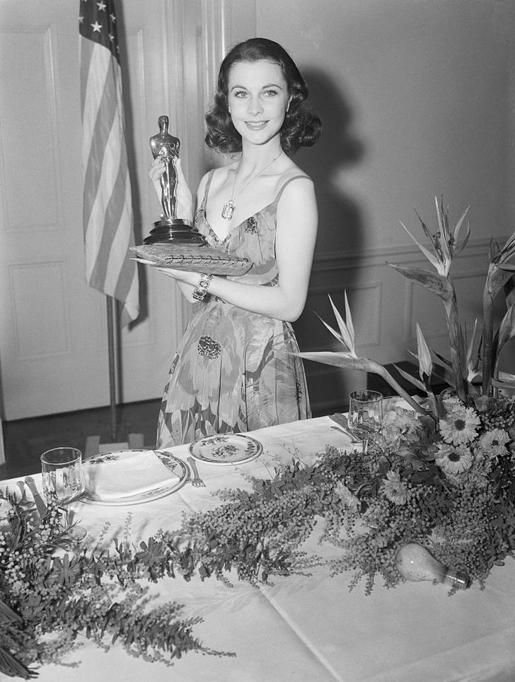 Фото №1 - 17 самых красивых бьюти-образов в истории «Оскара»