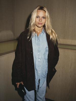 Фото №12 - Скандальная, модная, смелая: правила стиля Памелы Андерсон