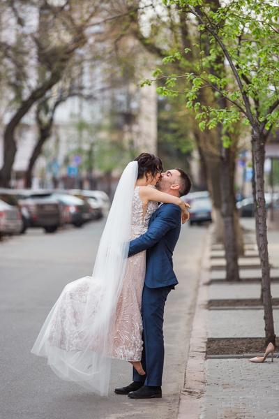 Фото №2 - Во сколько обойдется свадьба средней руки в Москве