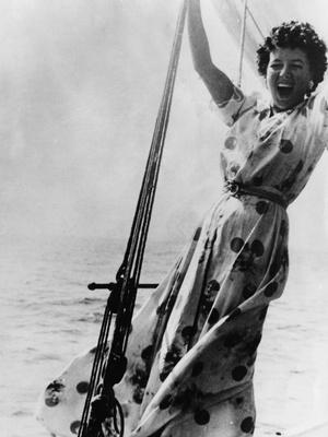Фото №15 - Кровавые бриллианты, измены и расстрел: как сложились судьбы жен диктаторов XX века