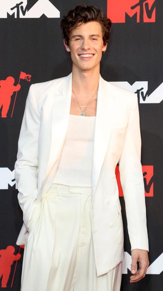 Фото №27 - Премия MTV VMA 2021: лучшие, худшие и самые яркие образы церемонии