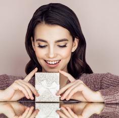 Объявляем месяц подарков – успей получить свой!