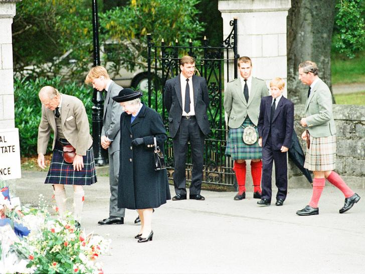 Фото №2 - Главное испытание для Королевы после гибели Дианы (и это вовсе не нападки британцев)