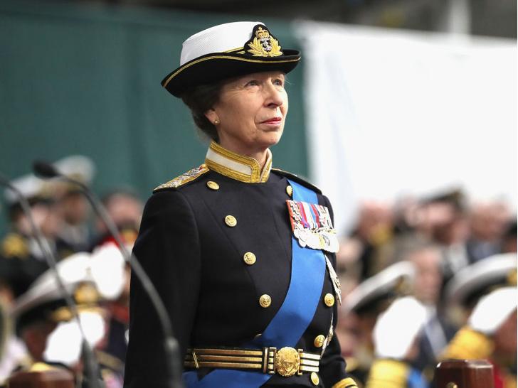 Фото №2 - Обиды прошлого: почему принцесса Анна не сразу приняла герцогиню Камиллу