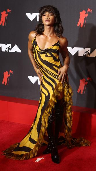 Фото №32 - Премия MTV VMA 2021: лучшие, худшие и самые яркие образы церемонии