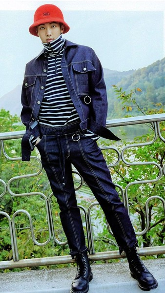 Фото №5 - 5 самых стильных осенних образов: показывает RM из BTS