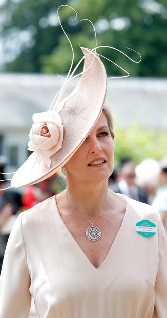 Фото №9 - Лучшие образы на открытии Royal Ascot 2021 (и немного безумных шляп)