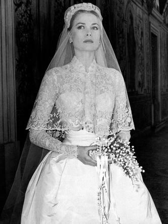 Фото №5 - Знаменитые невесты, платьями которых вдохновлялась леди Китти Спенсер
