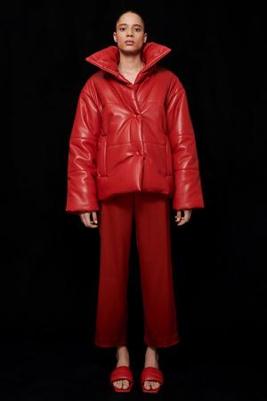 Фото №3 - Lady in red: Nanushka представили коллекцию в честь Китайского Нового года