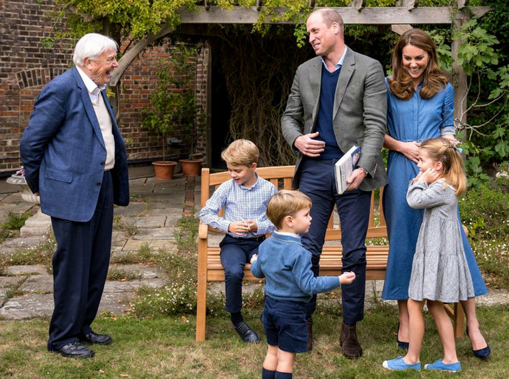 Фото №2 - Прогрессивная принцесса: какое искусство освоила Шарлотта (а Джордж и Луи— нет)