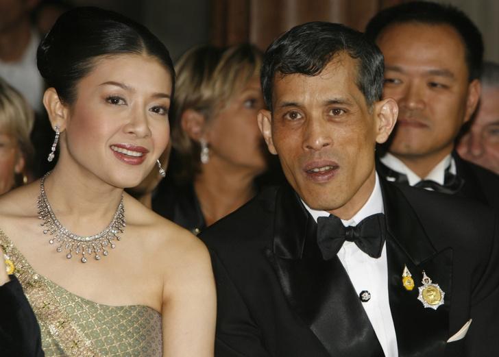 Фото №1 - Из дворца в сарай за 13 лет: как трагично сложилась судьба экс-жены короля Таиланда