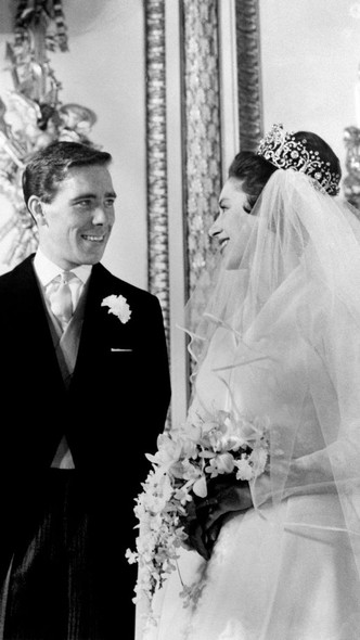 Фото №3 - Как и за что принцесса Маргарет отомстила Королеве в день своей свадьбы