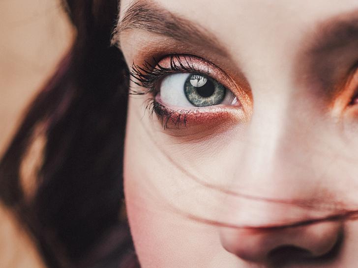 Фото №5 - Как подобрать макияж по форме и разрезу глаз: советы визажиста