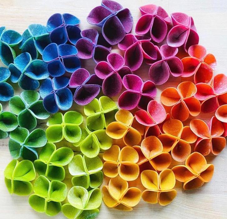 Фото №1 - Фуд-тренд: самая красивая «цветочная» паста