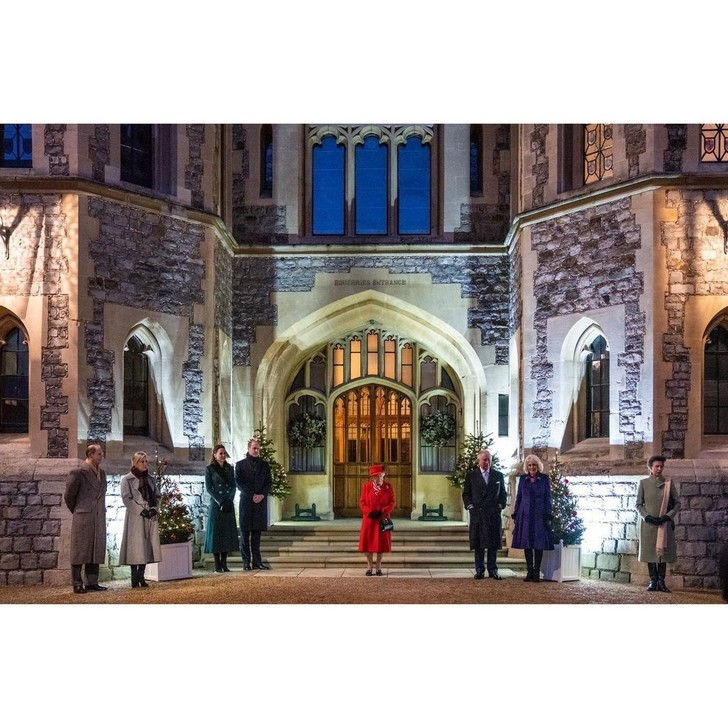 Фото №1 - Виндзорский замок готов к Рождеству