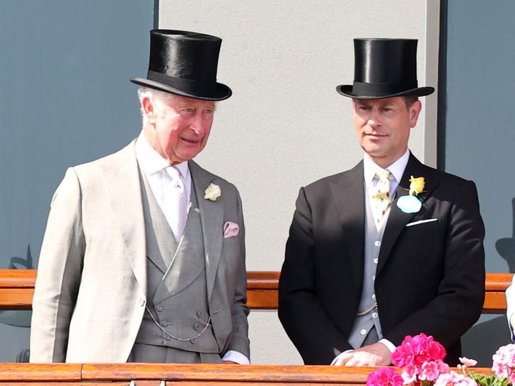 Фото №2 - Почему Чарльз не хочет передавать брату титул герцога Эдинбургского