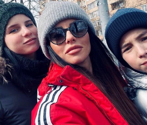 Фото №3 - Юлия Волкова из «Тату» показала взрослую дочь