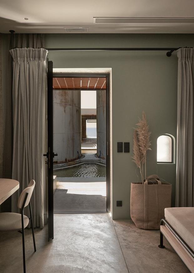 Фото №16 - Отель в здании заброшенной винодельни в Греции