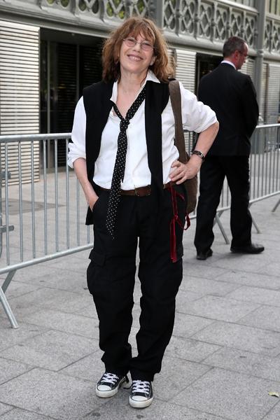 81e05bc68ef0 Джейн Биркин требует убрать свое имя с сумок — www.wday.ru