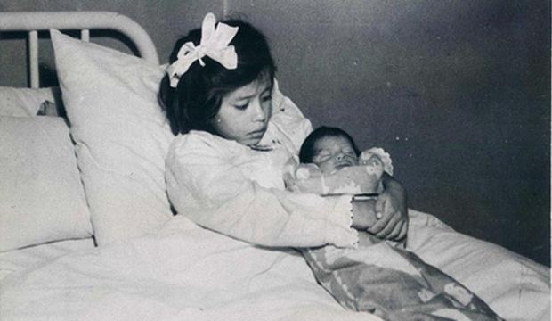 Фото №1 - Пятилетняя мама: жизнь и судьба Лины Медины, которая родила ребенка, когда еще сама ходила в детский сад