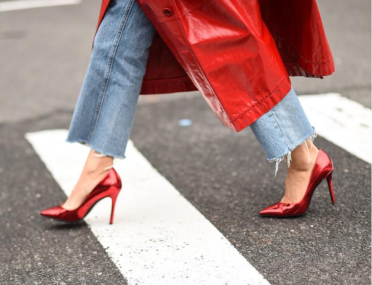 Фото №1 - На высоте: как научиться красиво ходить на каблуках