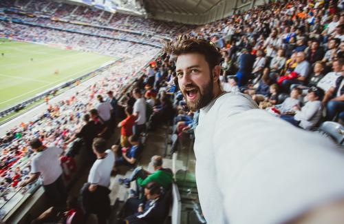 Фото №7 - 6 атрибутов, которые должны быть у настоящего футбольного фаната