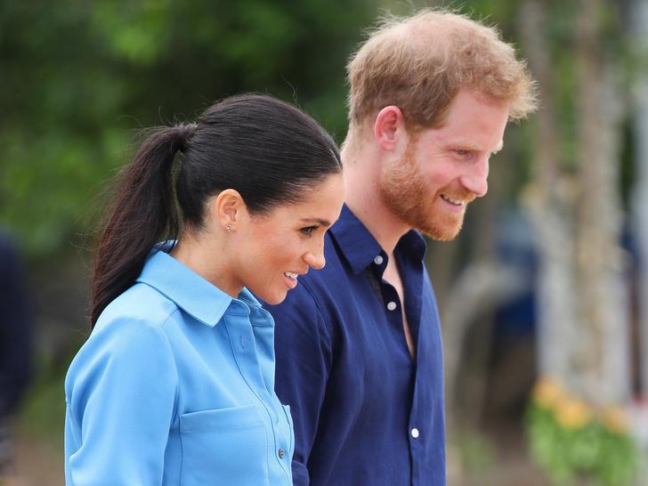 Фото №3 - Чарльз забирает Арчи в Лондон, а Королева передает власть Камилле: 5 новых (и очень странных) слухов о Виндзорах