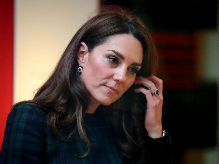 Фото №9 - Всегда безупречна: 10 лучших причесок герцогини Кейт на любой случай