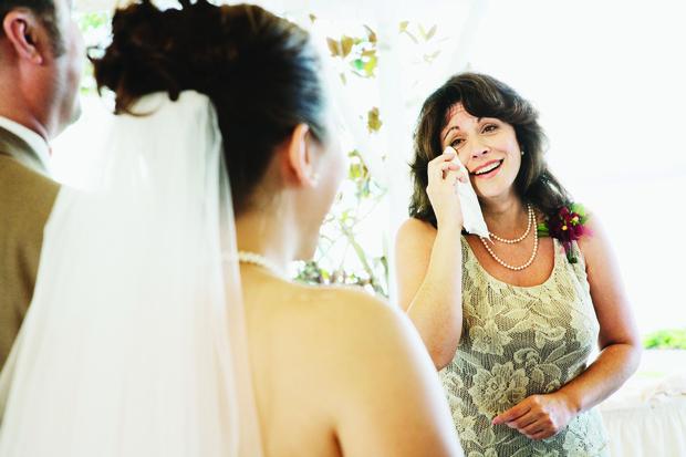 Фото №2 - Как в кино: на свадьбе сына мать узнала в невесте свою давно потерянную дочь