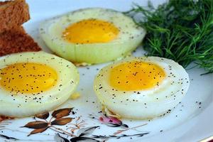 Фото №8 - 7 необычных и простых рецептов яичницы к завтраку