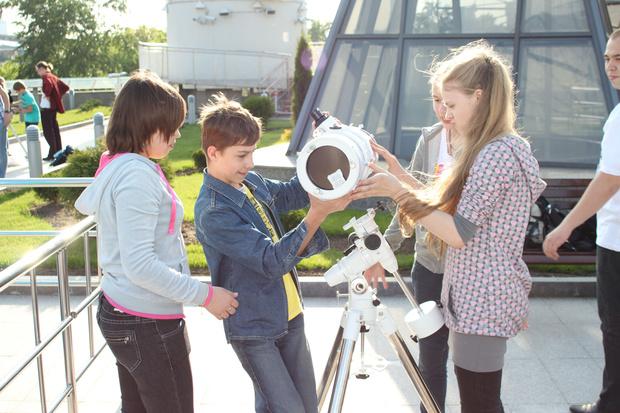 Фото №1 - Астрономическому кружку Московского планетария - 80 лет