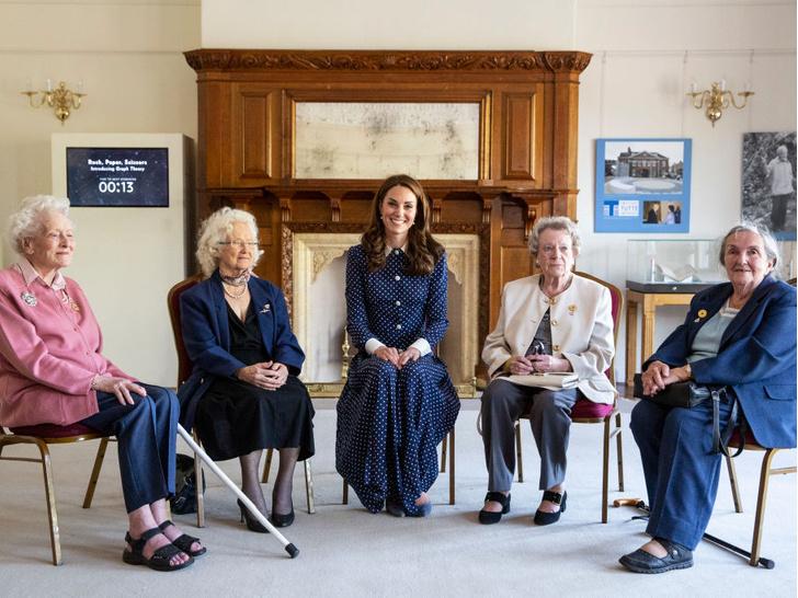 Фото №4 - Улыбчивая герцогиня: 10 самых веселых моментов Кейт за всю ее королевскую жизнь