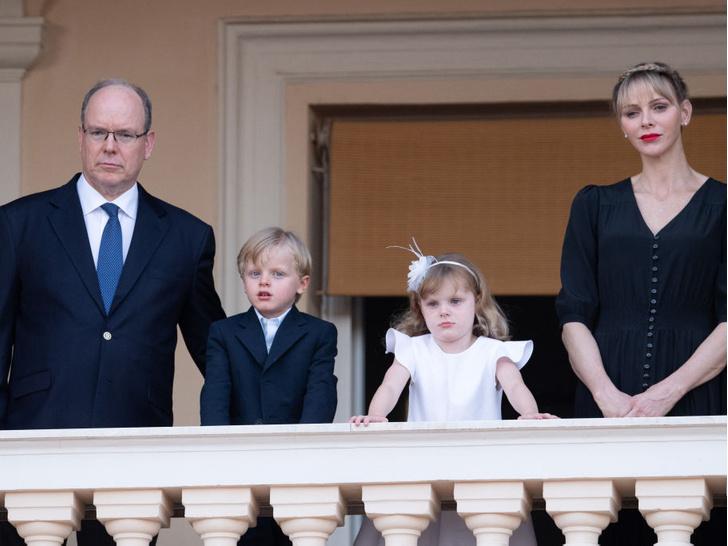 Фото №4 - Развод или временные трудности: что происходит с браком княгини Шарлен и князя Альбера II