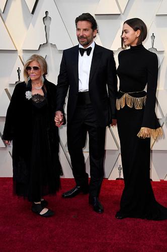 Фото №1 - Шейк, Купер, Гага: любовный треугольник на «Оскаре»